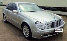 2005 Mercedes-Benz 260E dijual