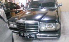 Jual Mobil Mercedes-Benz 200E 2.0 Manual