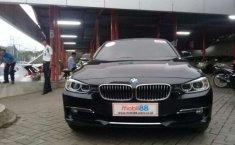 Jual Mobil BMW 3 Series 320i A/T 2015