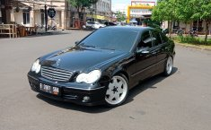Jual Mercedes-Benz C-Class C240 Tahun 2005