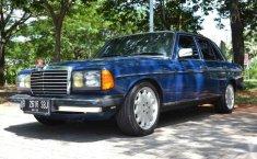 Mercedes-Benz 200 () 1985 kondisi terawat