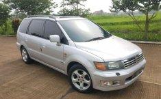 2001 Mitsubishi Chariot dijual