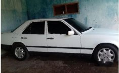 Mercedes-Benz 230E (2.3 Manual) 1989 kondisi terawat