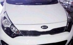 2015 Kia Rio dijual
