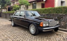 Mercedes-Benz 200  1983 harga murah