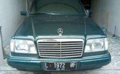 Mercedes-Benz 220E 1995 terbaik