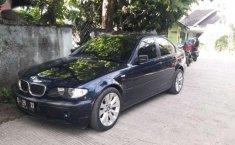 BMW i8  2003 Hitam