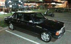 1979 Mercedes-Benz 200 dijual