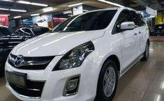 Mazda 8  2012 Putih