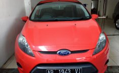 Jual Mobil Ford Fiesta Trend 2012