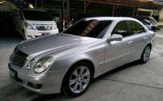 Mercedes-Benz E-Class (E 230) 2009 kondisi terawat