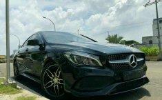 Mercedes-Benz CLA 200 2016 Hitam
