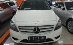Jual mobil Mercedes-Benz B-CLass  B 200 2013