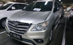 Jual Mobil Toyota Kijang Innova 2.5 Diesel NA 2013