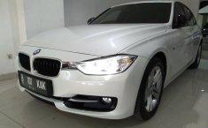 Jual Mobil BMW 3 Series 320i 2015