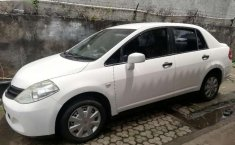 Nissan Latio  2010 Putih