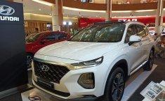 Jual Mobil Hyundai Santa Fe CRDi 2018