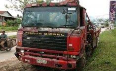 Nissan UD Truck 1997 terbaik