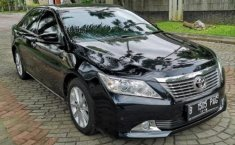 Jual Mobil Toyota Camry V 2014