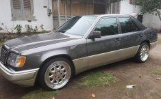 1994 Mercedes-Benz 220E dijual