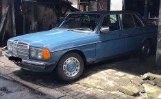 Mercedes-Benz 200 1979 dijual