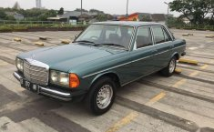 Mercedes-Benz 200 () 1981 kondisi terawat