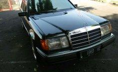Mercedes-Benz 300E () 1991 kondisi terawat