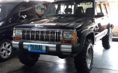 Jual Mobil Jeep Cherokee Limited 1994