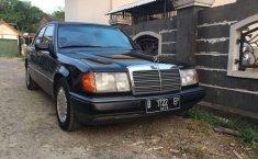 Mercedes-Benz 300E 1991 terbaik