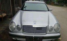 1997 Mercedes-Benz 230E dijual
