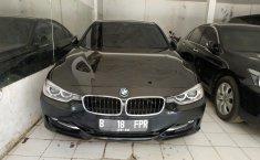 Jual mobil BMW 3 Series 320i 2014