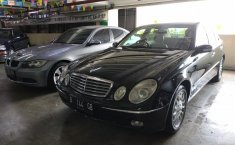 Jual Mercedes-Benz E-Class 260 2004