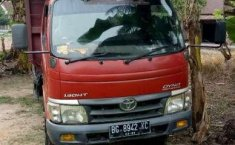 Toyota Dyna  2010 Merah