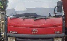Toyota Dyna 2004 terbaik
