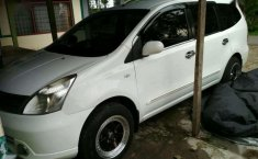 Nissan Livina 2012 dijual