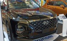 Jual Mobil Hyundai Santa Fe CRDi 2019
