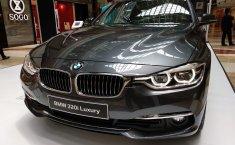 Jual Mobil BMW 3 Series 320i Luxury 2018