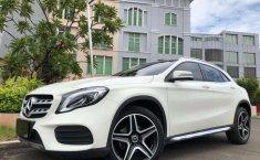 Mercedes-Benz GLA 2016 terbaik