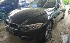 Jual mobil BMW 3 Series 328i 2014