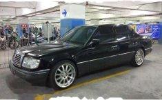 Mercedes-Benz 200E W124 L4 2.0 Manual 1988 harga murah