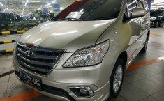 Jual mobil Toyota Kijang Innova 2.0 V Luxury 2014