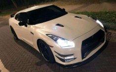 Nissan Skyline  2012 Putih