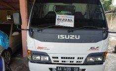 Jual Mobil Isuzu Elf NKR Truck 2.8 Manual 2010