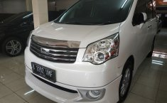 Jual Mobil Toyota NAV1 V Limited 2015
