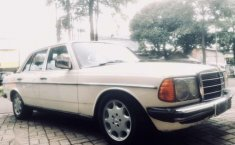 Mercedes-Benz 200  1984 harga murah