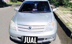 Toyota IST  2003 harga murah