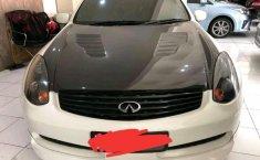 Nissan Skyline  2005 Putih