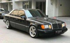 Mercedes-Benz 300E (W124) 1992 kondisi terawat