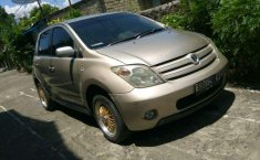 Toyota IST  2003 Coklat