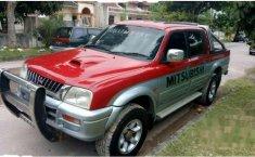 Mitsubishi L200 Strada  2002 Merah
